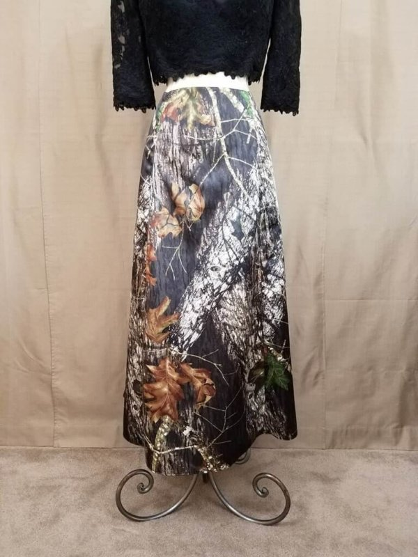 AE-B-5 Full Length Skirt Front Camo Bridesmaid Skirt (image)