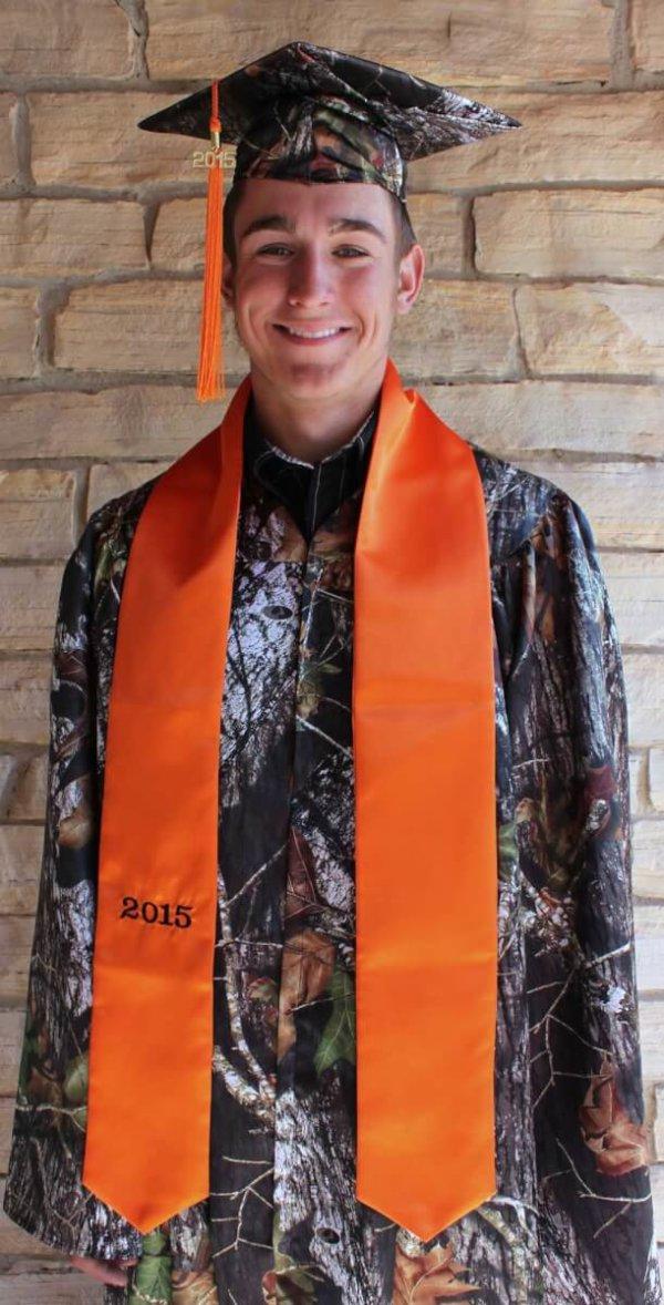 AE-GCG Model Hunter Orange Mossy Oak Break Up Camo Graduate (image)