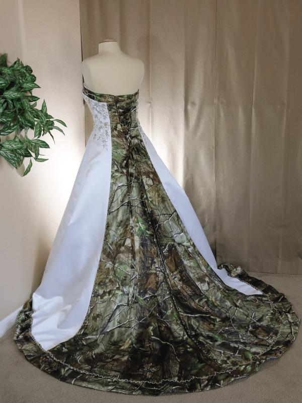 ATOC-0910 Elizabeth RHGHD Full Back Camo Gown (image)