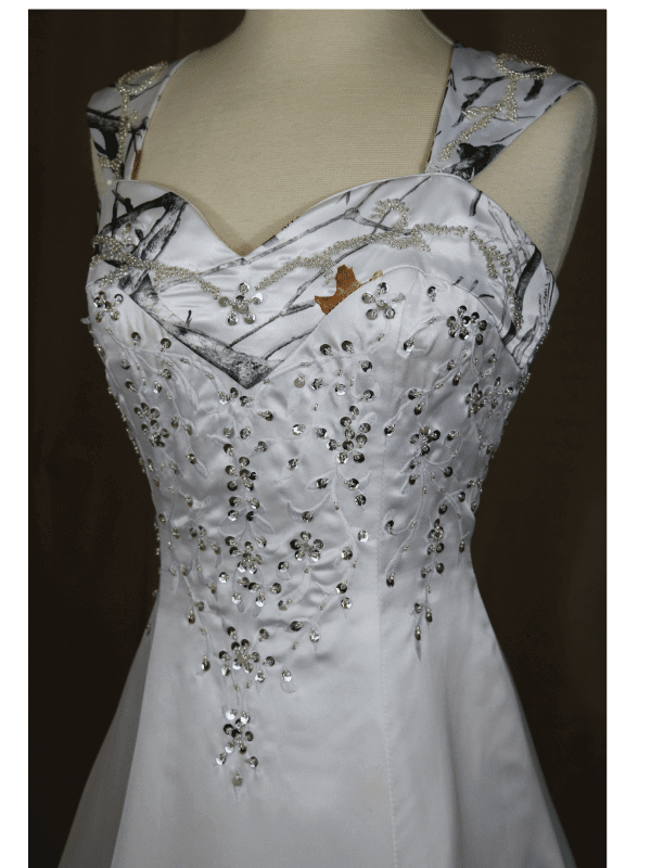 ATOC-0910 Elizabeth TTSF Bodice Front Camo Gown (image)