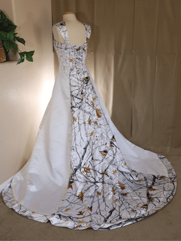 ATOC-0910 Elizabeth TTSF Full Back Camo Gown (image)