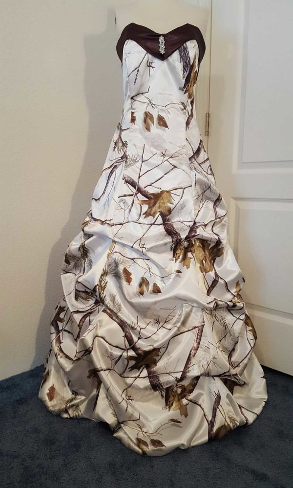 ATOC-32 Courtney Full Front Realtree AP Snow Camo Gown (image)