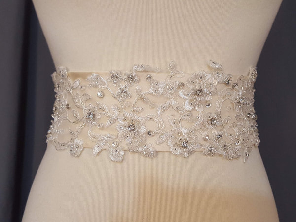 Lace Ivory Sash