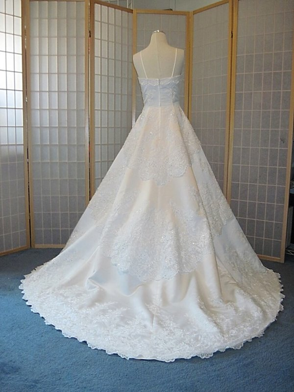 Chantilly Lace Straight Neckline wedding gown back