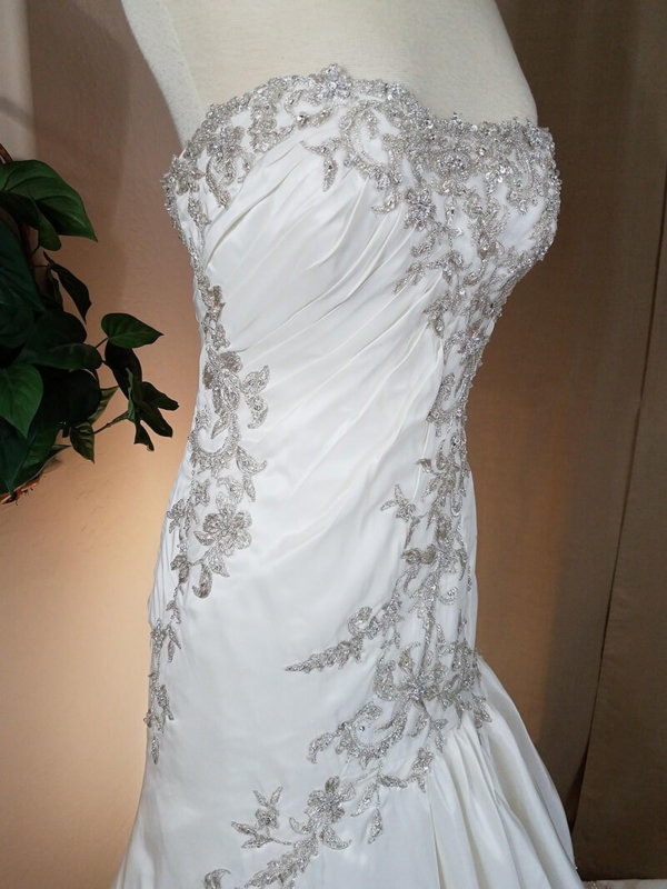 Strapless Used Wedding Gown Alexandra Side Details