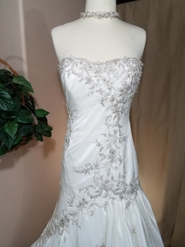 Strapless Used Wedding Gown Alexandra Front Details