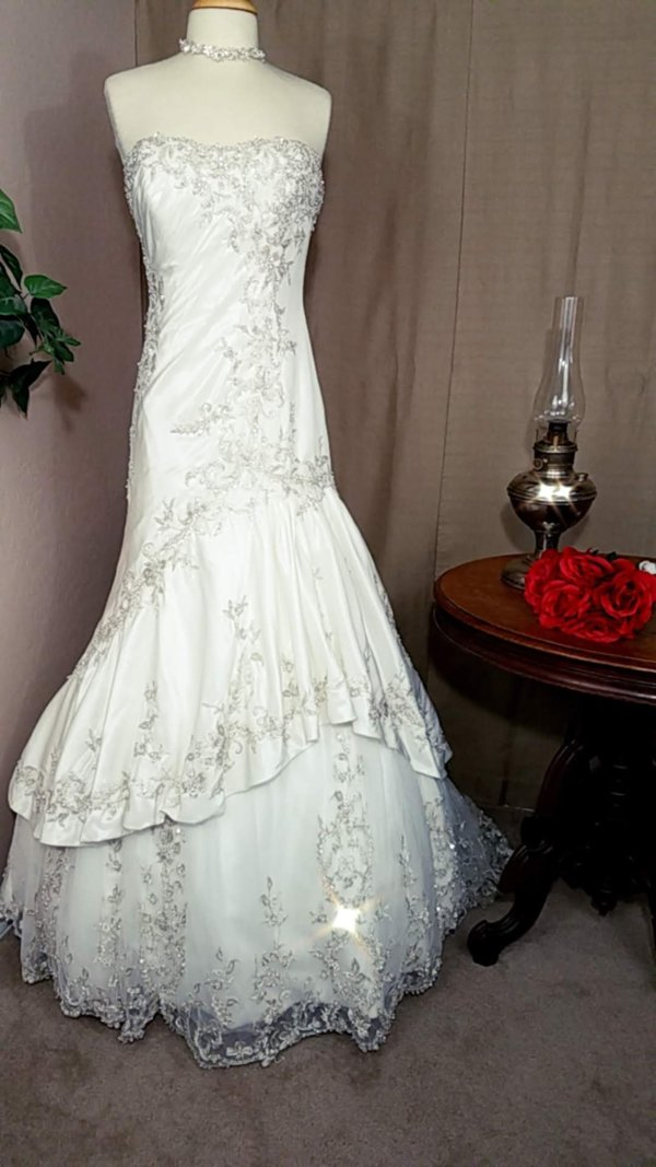 Strapless Used Wedding Gown Alexandra