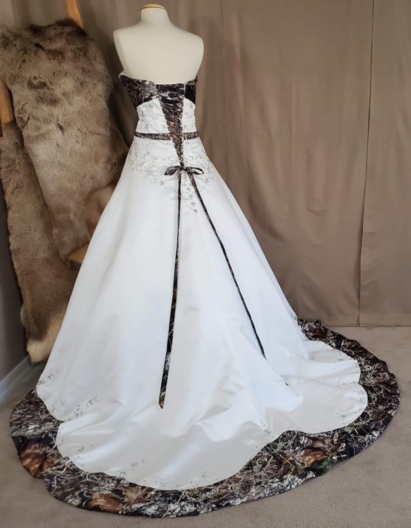 Camo wedding gown Anita Back