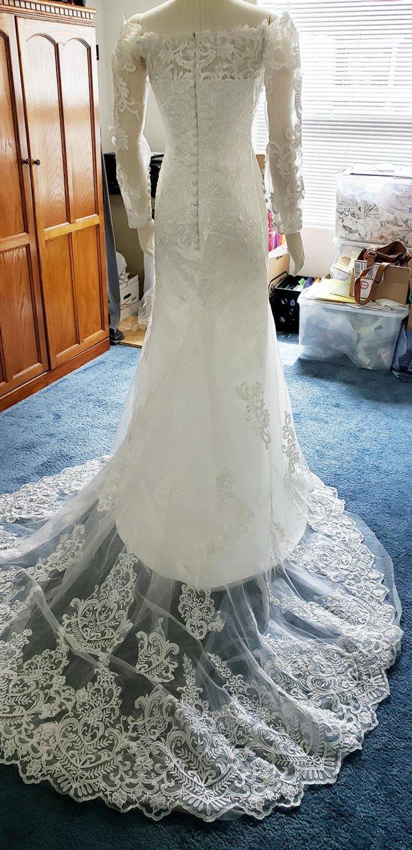 Kiana Mermaid Train Wedding Gown