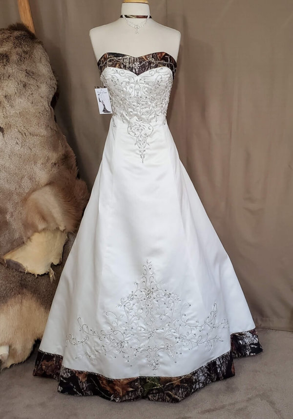 Camo trim wedding dress Elizabeth Front
