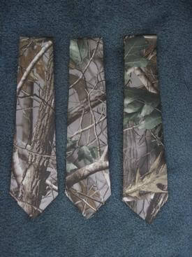 mens long tie in hardwoods green camo pattern