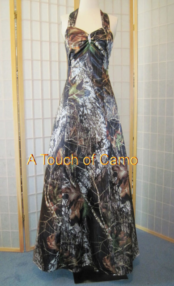 AE-19 Erica Full Front Mossy Oak Camo Bridesmaid Dress (image)